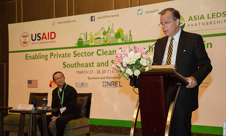 Enabling private sector clean energy investment in Southeast and South Asia